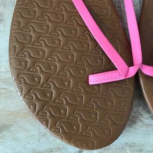Vineyard Vines Shoes - 🐳Vineyard Vines Whale Embossed Flip Flop {Pink} 8